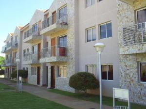 Apartamento En Ventaen Maracaibo, Avenida Milagro Norte, Venezuela, VE RAH: 17-6196
