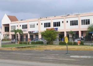 Local Comercial En Venta En Higuerote, La Costanera, Venezuela, VE RAH: 17-6174
