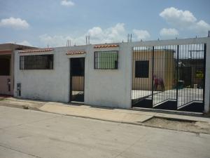 Casa En Venta En Municipio Los Guayos, Buenaventura, Venezuela, VE RAH: 17-6144