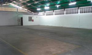 Galpon - Deposito En Alquiler En Maracaibo, Avenida Universidad, Venezuela, VE RAH: 17-6120