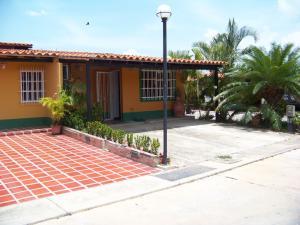Casa En Venta En Municipio San Diego, Valle De Oro, Venezuela, VE RAH: 17-6153