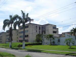Apartamento En Venta En Valencia, Flor Amarillo, Venezuela, VE RAH: 17-6175