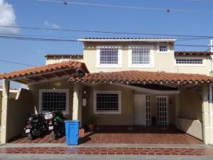 Casa En Venta En Cabudare, Parroquia Cabudare, Venezuela, VE RAH: 17-6176