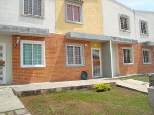 Townhouse En Venta En Valencia, Flor Amarillo, Venezuela, VE RAH: 17-6184