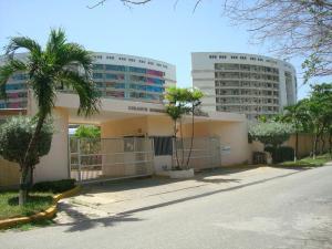 Apartamento En Venta En Higuerote, Agua Sal, Venezuela, VE RAH: 17-6187