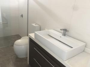 Apartamento En Ventaen Maracaibo, La Lago, Venezuela, VE RAH: 17-6200