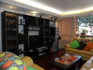 Apartamento En Venta En Caracas - Terrazas del Avila Código FLEX: 17-7673 No.6