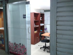 Local Comercial En Venta En Municipio Naguanagua, La Granja, Venezuela, VE RAH: 17-6203