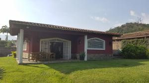 Casa En Venta En Valencia, Guataparo, Venezuela, VE RAH: 17-6215