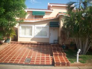 Townhouse En Venta En Maracaibo, Doral Norte, Venezuela, VE RAH: 17-6263