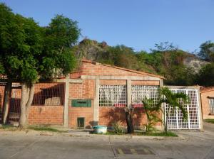 Casa En Venta En Guatire, Contry Villas, Venezuela, VE RAH: 17-6266
