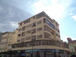 Apartamento En Venta En Caracas, Parroquia La Candelaria, Venezuela, VE RAH: 17-6299