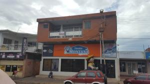 Edificio En Ventaen Coro, Avenida Independencia, Venezuela, VE RAH: 17-6304
