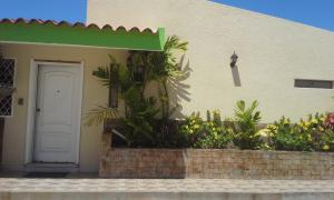 Casa En Venta En Maracaibo, Los Olivos, Venezuela, VE RAH: 17-6306
