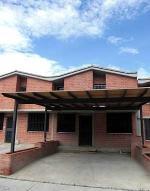 Townhouse En Venta En Guarenas, Nueva Casarapa, Venezuela, VE RAH: 17-6324