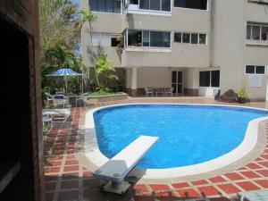 Apartamento En Venta En Caracas, Colinas De Bello Monte, Venezuela, VE RAH: 17-6334