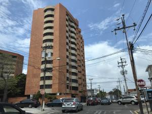 Apartamento En Ventaen Maracaibo, La Lago, Venezuela, VE RAH: 17-6380