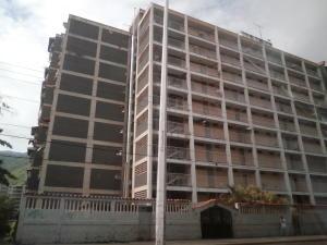 Apartamento En Venta En Guarenas, Menca De Leoni, Venezuela, VE RAH: 17-6408