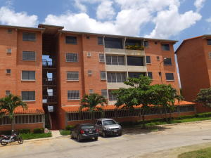 Apartamento En Venta En Guatire, Sector San Pedro, Venezuela, VE RAH: 17-6404
