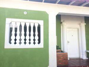 Casa En Venta En Punto Fijo, Puerta Maraven, Venezuela, VE RAH: 17-6420