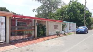 Townhouse En Venta En Maracaibo, Club Hipico, Venezuela, VE RAH: 17-6423