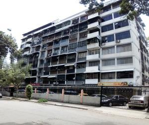 Apartamento En Venta En Caracas, El Paraiso, Venezuela, VE RAH: 17-6428