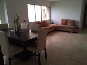 Apartamento En Venta En Maracaibo, Lago Mar Beach, Venezuela, VE RAH: 17-6122