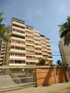 Apartamento En Venta En Catia La Mar, Playa Grande, Venezuela, VE RAH: 17-6485
