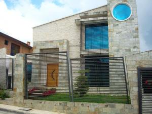 Casa En Venta En San Antonio De Los Altos, San Juan, Venezuela, VE RAH: 17-6474