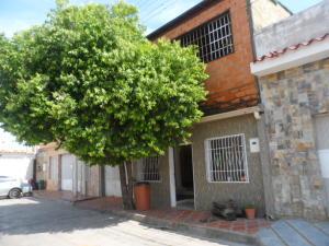Casa En Venta En Turmero, La Flor, Venezuela, VE RAH: 17-6514