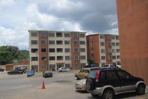 Apartamento En Venta En Charallave, Santa Rosa De Charallave, Venezuela, VE RAH: 17-6529