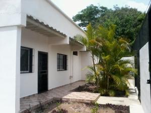 Casa En Venta En Barquisimeto, Via El Ujano, Venezuela, VE RAH: 17-6500