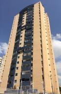 Apartamento En Venta En Valencia, Valles De Camoruco, Venezuela, VE RAH: 17-6501