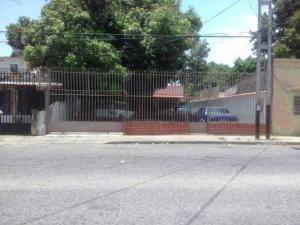 Casa En Venta En Maracay, Santa Rosa, Venezuela, VE RAH: 17-6517