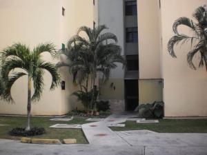 Apartamento En Venta En Valencia, Campo Alegre, Venezuela, VE RAH: 17-6531
