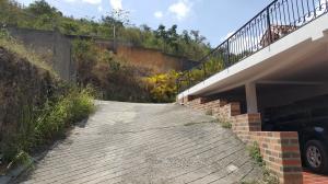 Casa En Venta En Caracas - Colinas de Caicaguana Código FLEX: 17-6574 No.0
