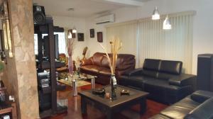 Casa En Venta En Caracas - Colinas de Caicaguana Código FLEX: 17-6574 No.5