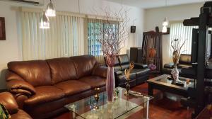 Casa En Venta En Caracas - Colinas de Caicaguana Código FLEX: 17-6574 No.6