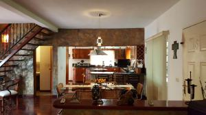 Casa En Venta En Caracas - Colinas de Caicaguana Código FLEX: 17-6574 No.9