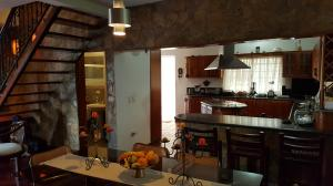 Casa En Venta En Caracas - Colinas de Caicaguana Código FLEX: 17-6574 No.10