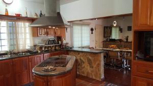 Casa En Venta En Caracas - Colinas de Caicaguana Código FLEX: 17-6574 No.14