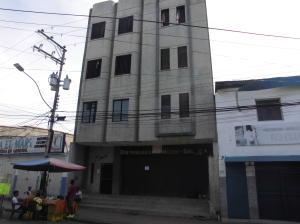 Local Comercial En Venta En Higuerote, Higuerote, Venezuela, VE RAH: 17-7292