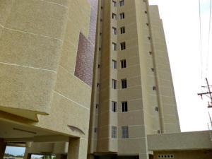 Apartamento En Venta En Maracaibo, El Milagro, Venezuela, VE RAH: 17-6641