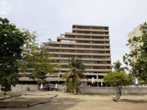 Apartamento En Ventaen Catia La Mar, Playa Grande, Venezuela, VE RAH: 17-6595