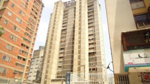 Apartamento En Venta En Caracas, Colinas De Bello Monte, Venezuela, VE RAH: 17-6675