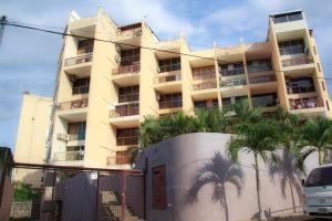 Apartamento En Venta En Parroquia Caraballeda, Tanaguarena, Venezuela, VE RAH: 17-6672