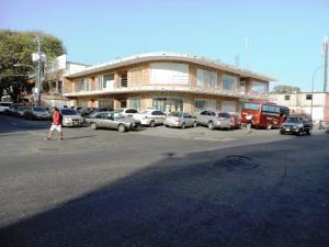 Local Comercial En Alquiler En Catia La Mar, La Atlantida, Venezuela, VE RAH: 17-6681