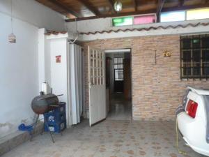 Casa En Venta En Turmero, La Flor, Venezuela, VE RAH: 17-6700