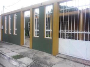 Casa En Venta En Palo Negro, Conjunto Residencial Palo Negro, Venezuela, VE RAH: 17-6694