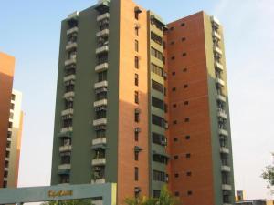 Apartamento En Venta En Maracay, Base Aragua, Venezuela, VE RAH: 17-6715